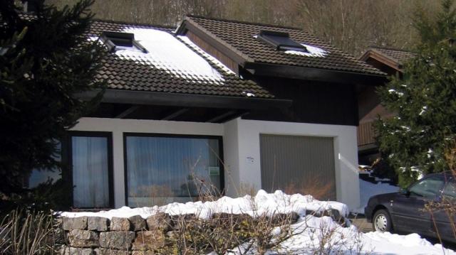 Ferienhaus Rhöndistel - Außenansicht im Winter
